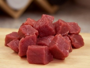 chunks-of-raw-meat
